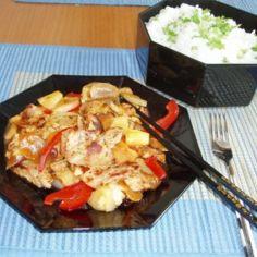 Kiinalainen lihawok hapanimeläkastikkeessa