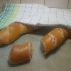 Täytetty leipä