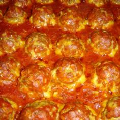 Uunilihapullat tomaattikastikkeessa