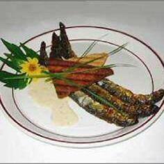 Nahkiaiset ja kermaviilikastike