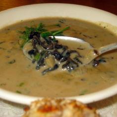 Suppilovahverokeitto kuivatuista sienistä