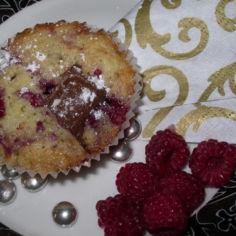 vadelma-suklaa muffinssit