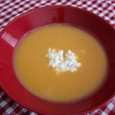 Helppo porkkanasosekeitto
