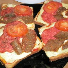 Lämpimät kebab-voileivät