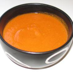 Aurinkoinen tomaatti-linssikeitto