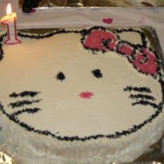 Hello Kitty-täytekakku