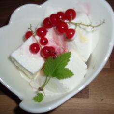 Punaherukka crème de cassis -kastike