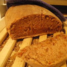 Puolukka-porkkana-leipä (tai -sämpylät)