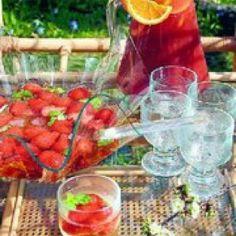 Kesäinen mansikkabooli