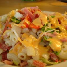 Kinkku-Salami Salaatti