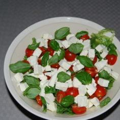 Juustoinen salaatti