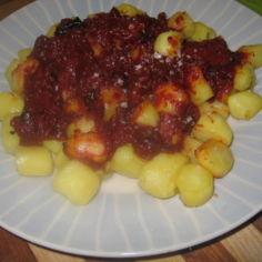 Patatas bravas - brava perunat itsetehdyllä kastikkeella