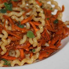 Porkkanainen pasta