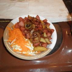 makkaraperunat keitetyistä perunoista