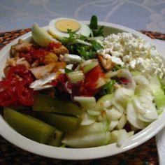 Jurin supertulinen salaattikastike + salaatti