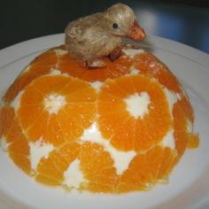 Valkosuklainen appelsiini-rahkahyytelö