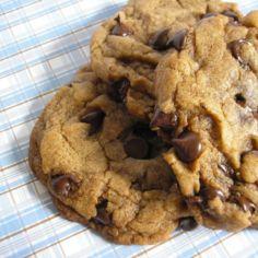 amerikkalaiset pikkuleivät - chocolate chip cookies