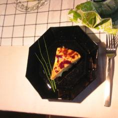 Tortilla Españole Halloumilla ja makeaa balsamicokastiketta