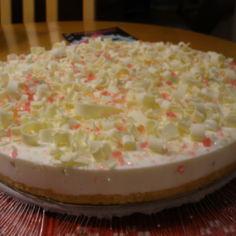 Valkosuklaa-limerahka kakku