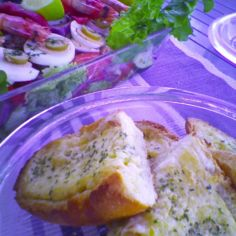 Valkosipulileivät juustolla - Pan de ajo con queso