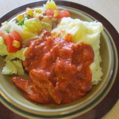 Soijasuikaleita tomaatti-basilikakastikkeessa