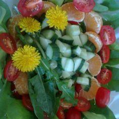 Voikukkasalaatti
