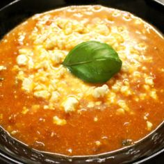 Tomaatti-Feta Keitto
