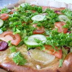 Kesäinen salaattipizza