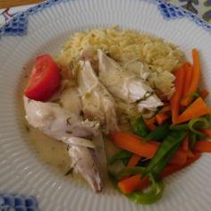 Pastaa & keitettyä kananpoikaa yrttikastikkeella 2.6.2016