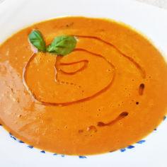 Tulinen tomaattikeitto