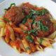 Italialaiset lihapullat tomaattikastikkeessa