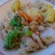Kanaa ja vihanneksia makeassa chilikastikkeessa