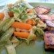 Lime-appelsiini porkkana-varhaiskaaliwokki