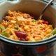 Meksikolaisvivahteinen broileri-nuudeli wokki