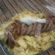 Possun ulkofilee juustolla kuorrutetun  fenkolin ja sinihomejuustokastikkeen kera