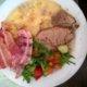 Lihaa ja Muusia + lisukkeet